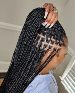 knotless box braids using rubber band method
