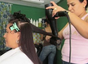 dominican blowout round brush