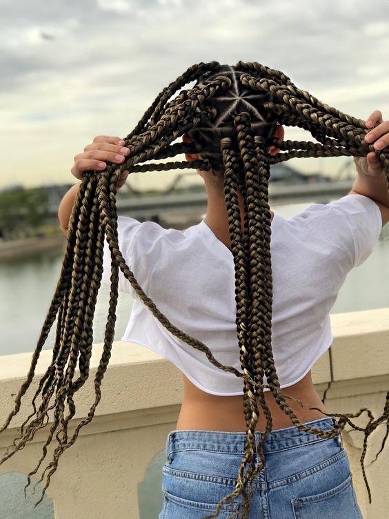 35 Triangle Box Braids Styles